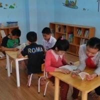 """Tạo thói quen đọc sách cho trẻ """"trong giờ đọc sách"""""""
